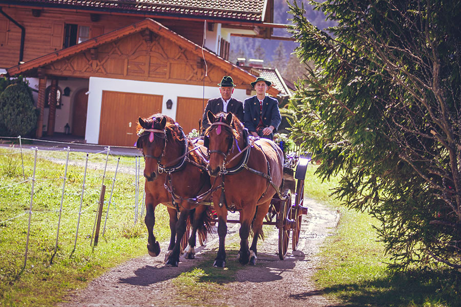 Cornelia und Franz Hochzeitsfotos Wallgau Bayern 34