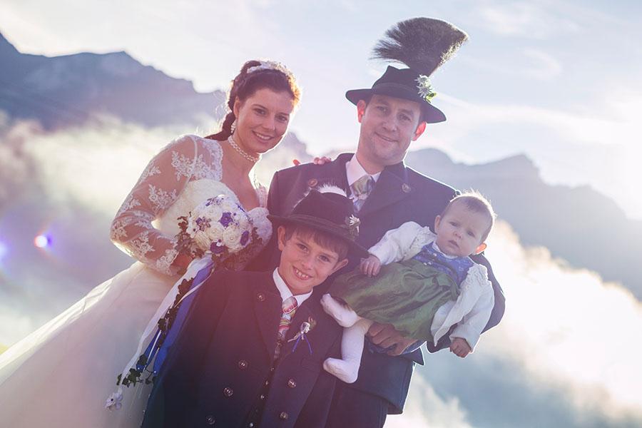Cornelia und Franz Hochzeitsfotos Wallgau Bayern 75_10